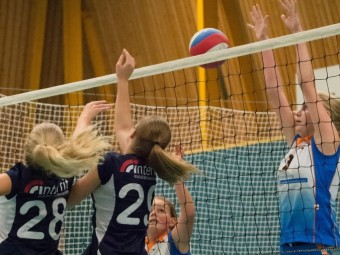 Interfit sponsort volleybal team